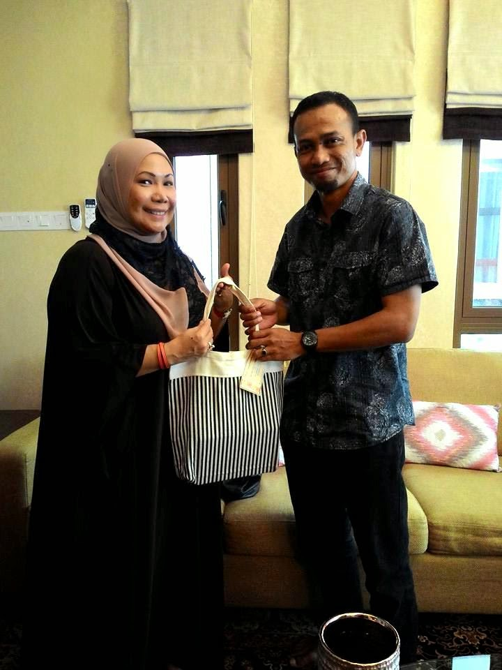 Dr Niki Shuhada Shukor, Khir Khalid, khirkhalid.com