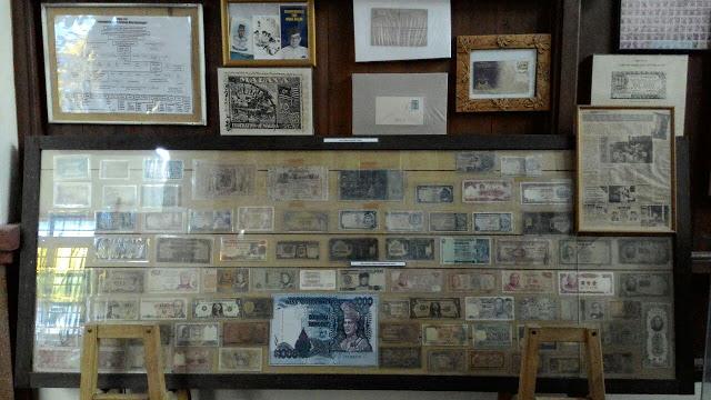 Matawang kertas lama, Muzium Bugis,